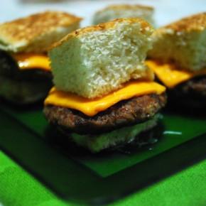 Dica para o fim de semana: mini-burgers