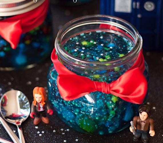 doctor-who-wibbly-wobbly-timey-wimey-jar