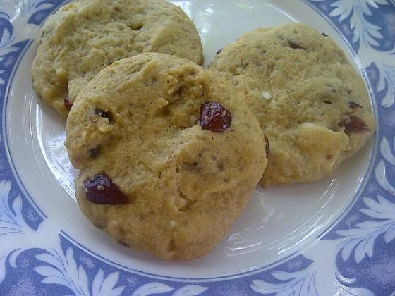 Cookies de Cranberry com Chocolate Branco. Receita completa no Gordelícias.
