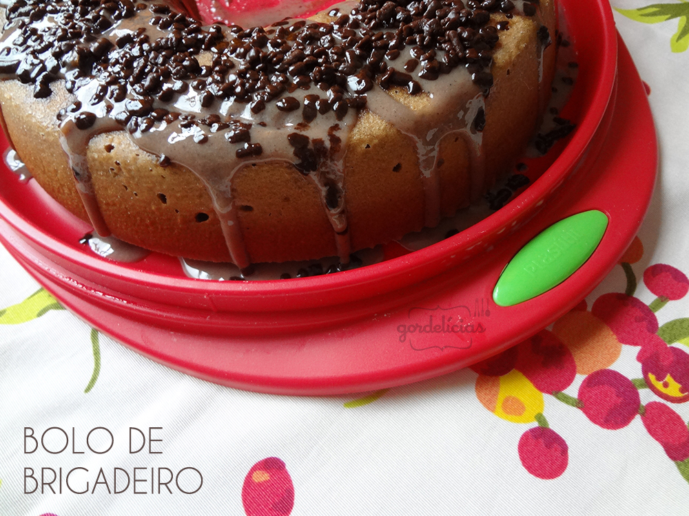 Bolo Brigadeiro | Receita disponível em: https://gordelicias.biz//