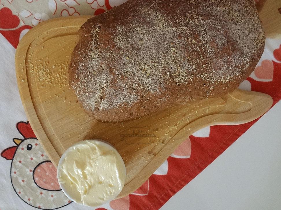 Pão Australiano com Manteiga Cremosa | Receita disponível em: https://gordelicias.biz//