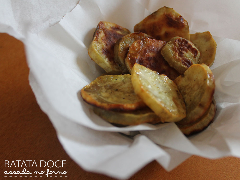 Batata doce assada. Receita completa em http://gordelicias.biz