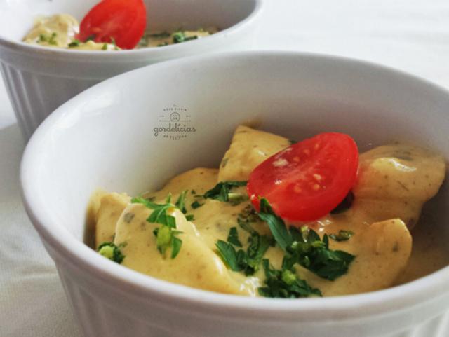 Picadinho de Frango ao Curry. Receita completa em http://gordelicias.biz.