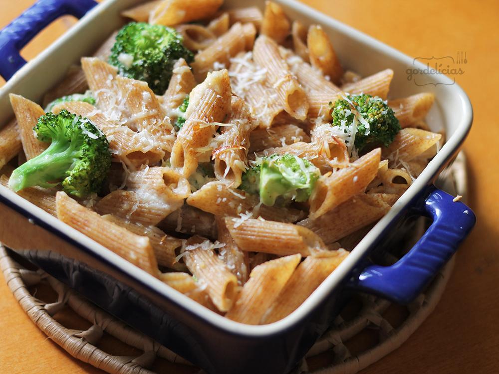 Massa com Provolone e Brócolis | Gordelícias