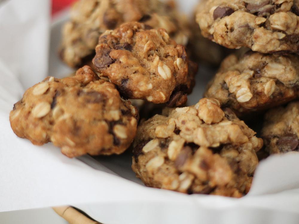 Cookies de Nozes, Aveia e Chocolate - gordelícias