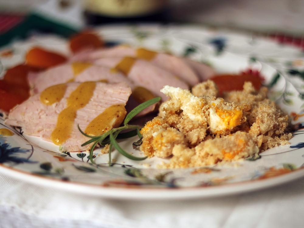 Lombinho de Porco com Farofa de Ovos