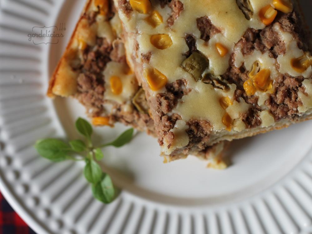 Torta de Atum. Receita rápida para um almoço ou jantar preguiçoso. Passo à passo em https://gordelicias.biz/.