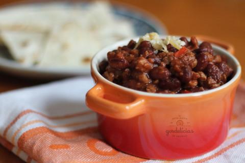 Chilli Vegetariano. Receita completa em https://gordelicias.biz/.