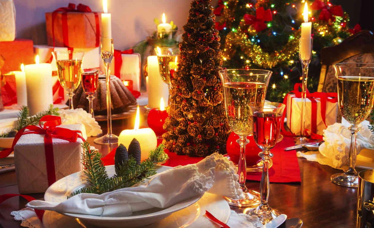 Inspire se e confira10 ideias fáceis para decorar sua casa no Natal.