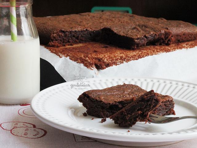 Brownie de Nutella. Receita com apenas 3 ingredientes. Mais em https://gordelicias.biz/.