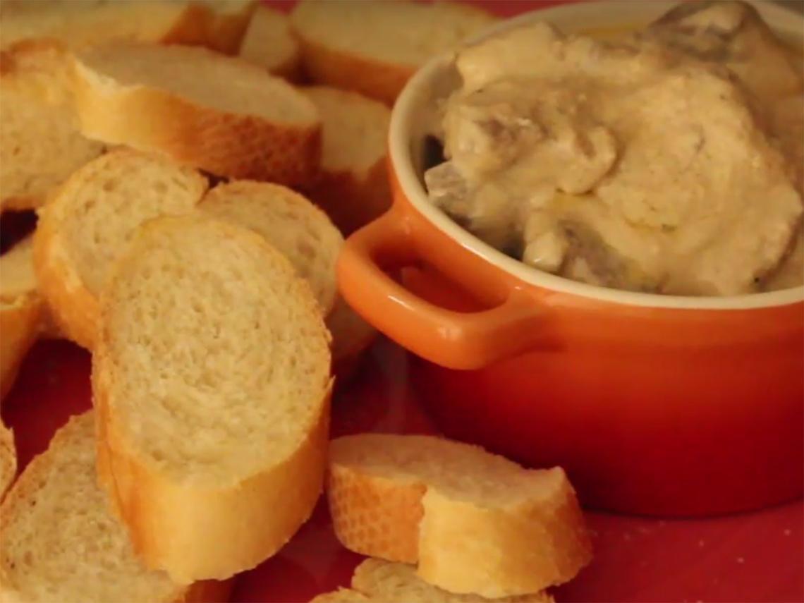 Filet Mignon ao Molho Gorgonzola. Receita em vídeo e no blog: https://gordelicias.biz/.