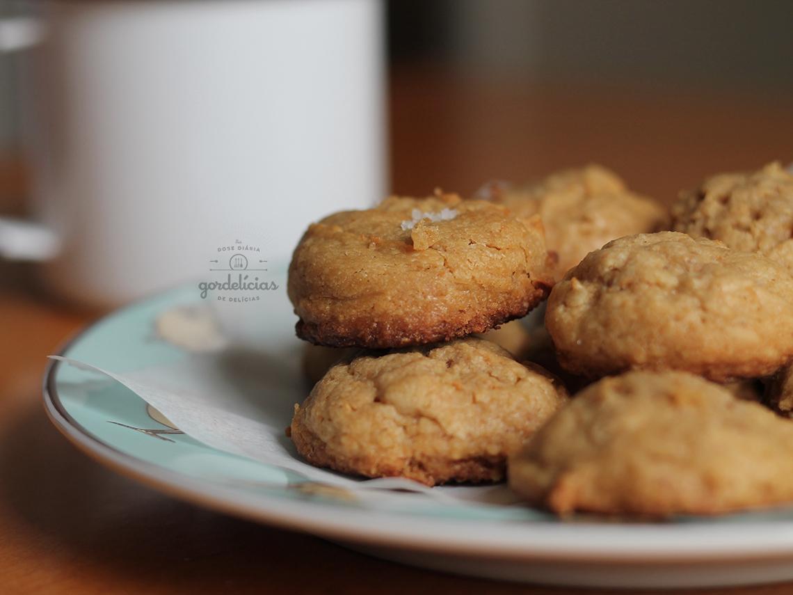 Cookies de Manteiga de Amendoim. Receita completa em http://gordelicias.biz.