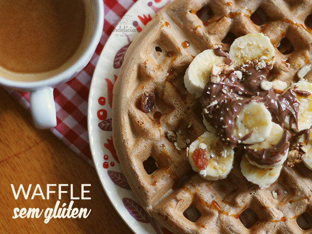 Waffle sem glúten (e sem lactose). Receita completa em https://gordelicias.biz/.
