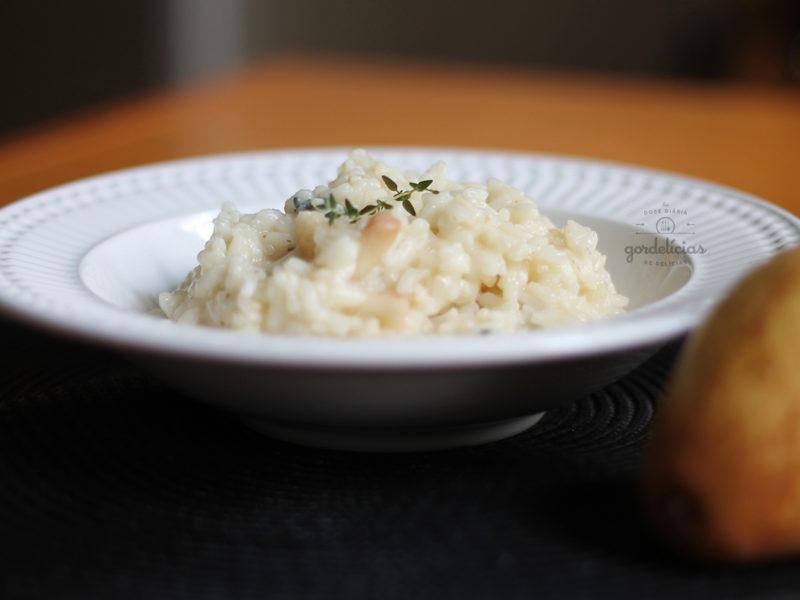Risoto de Pêra com Gorgonzola. Receita deliciosa, completinha em http://gordelicias.biz.