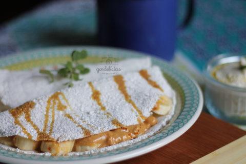 Quer aprender como fazer tapioca na frigideira? Receita completa em http://gordelicias.biz.