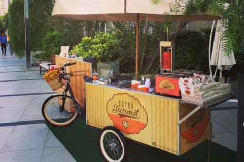 Festival Food Truck Ilha Plaza. Mais em http://gordelicias.biz.