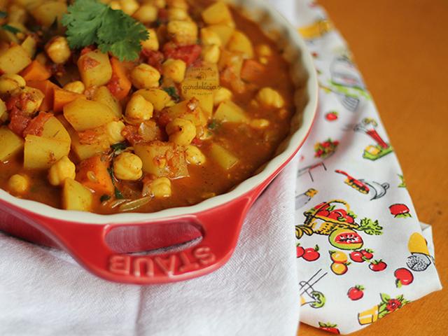 Curry Fácil de Grão de Bico e Batata. Receita completa em http://gordelicias.biz.