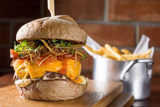 UOL Burger Fest - Armazén Devassa