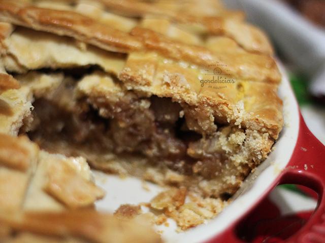 Torta de Maçã. Sobremesa clássica que ganha um toque especial e surpreendente na massa (receita da Rita Lobo, levemente adaptada). Mais em https://gordelicias.biz/.