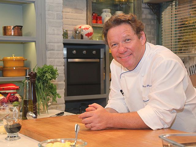 Um papo com Claude Troigros sobre gastronomia & Que Marravilha!