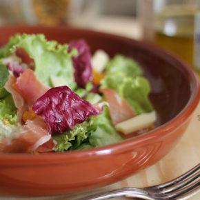 Salada Verde com Tomates, Presunto de Parma e Ementhal