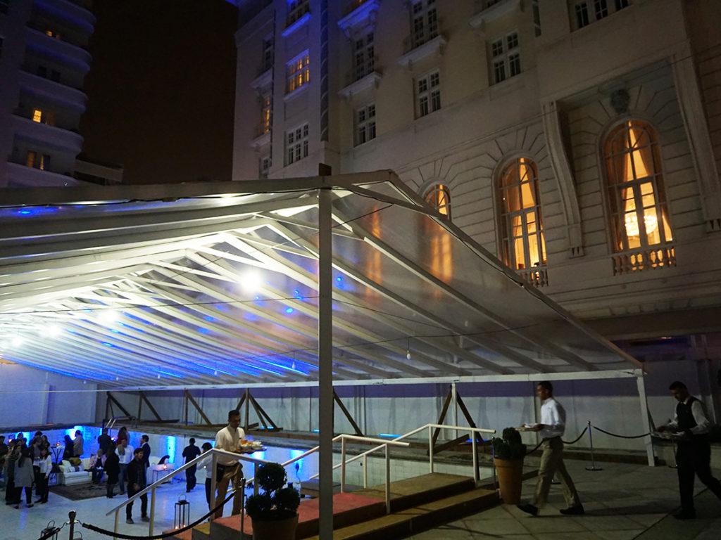 Vistando a piscina do Belmond Copacabana Palace vazia | Gordelícias