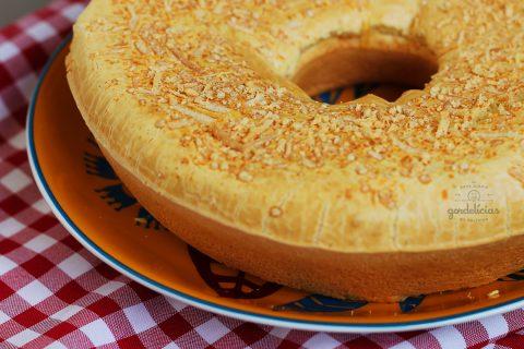 Como fazer Bolo de Pão de Queijo. Receita completa (e maravilhosa) em http://gordelicias.biz.