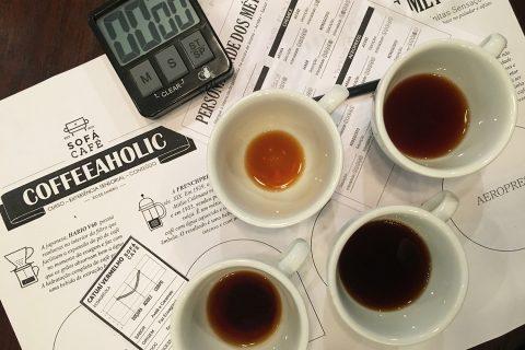 Coffeeaholic: experiência sensorial para os apaixonados por café no Sofá Café RJ. Mais em http://gordelicias.biz.