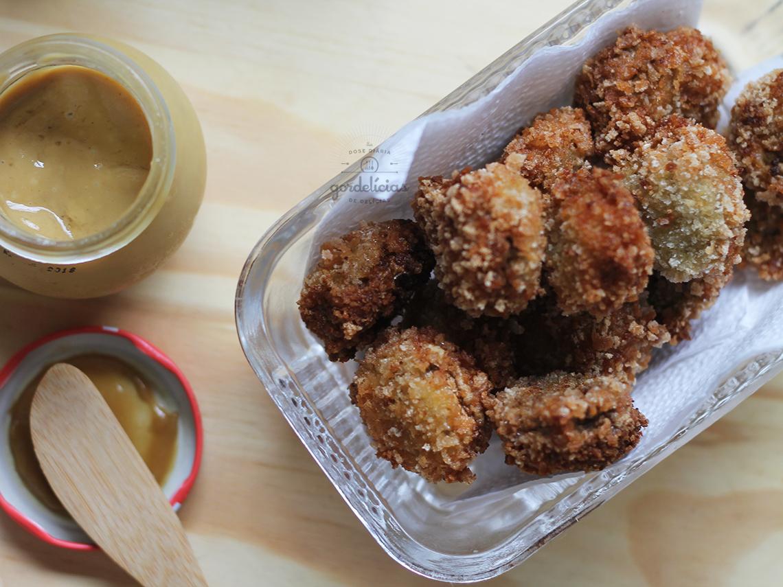 Cogumelo Empanado. Receita saborosa e fácil de fazer, passo a passo em https://gordelicias.biz/.