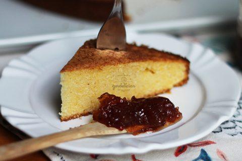 Aprenda a fazer Bolo de Fubá bem fofinho e gostoso. Receita fácil e prática, completa em http://gordelicias.biz.