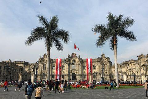 Onde se hospedar em Lima. Post completo em https://gordelicias.biz/.