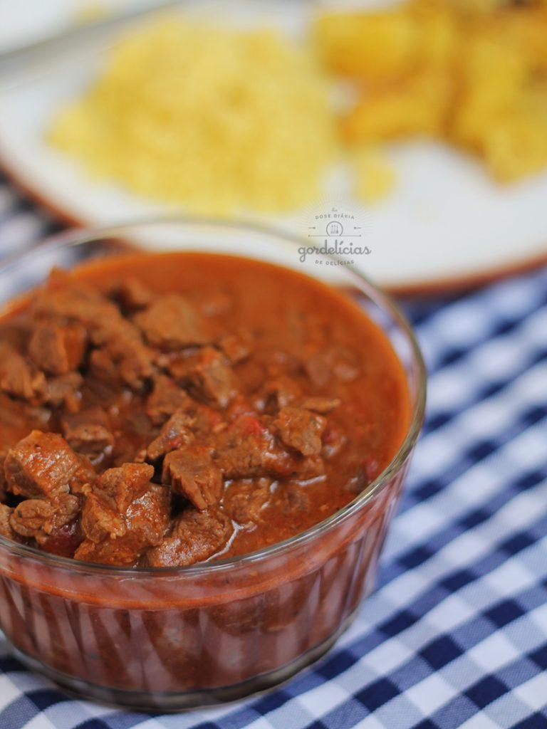 Como fazer Picadinho de Carne Simples. Receita fácil e deliciosa, pra fazer ainda hoje - passo a passo completo em http://gordelicias.biz.