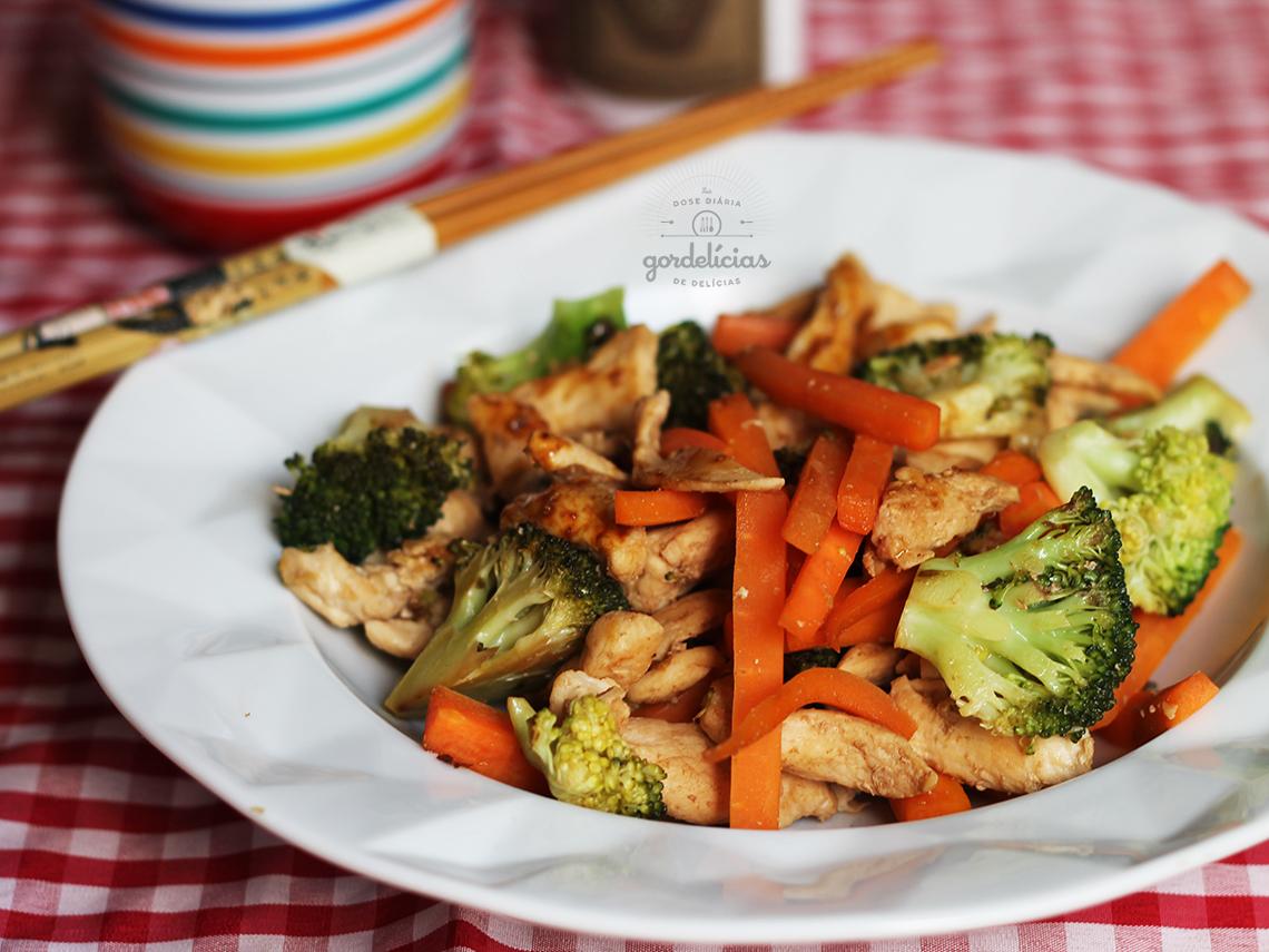 Stir Fry de Frango com Legumes