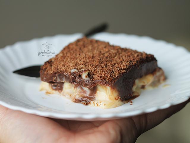 Receita de Pavê de Biscoito Maizena. Sobremesa tradicional para deixar a sua refeição ainda mais deliciosa. Mais em http://gordelicias.biz.