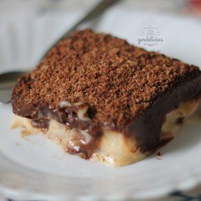 Receita de Pavê de Biscoito Maizena. Sobremesa tradicional para deixar a sua refeição ainda mais deliciosa. Mais em https://gordelicias.biz/.