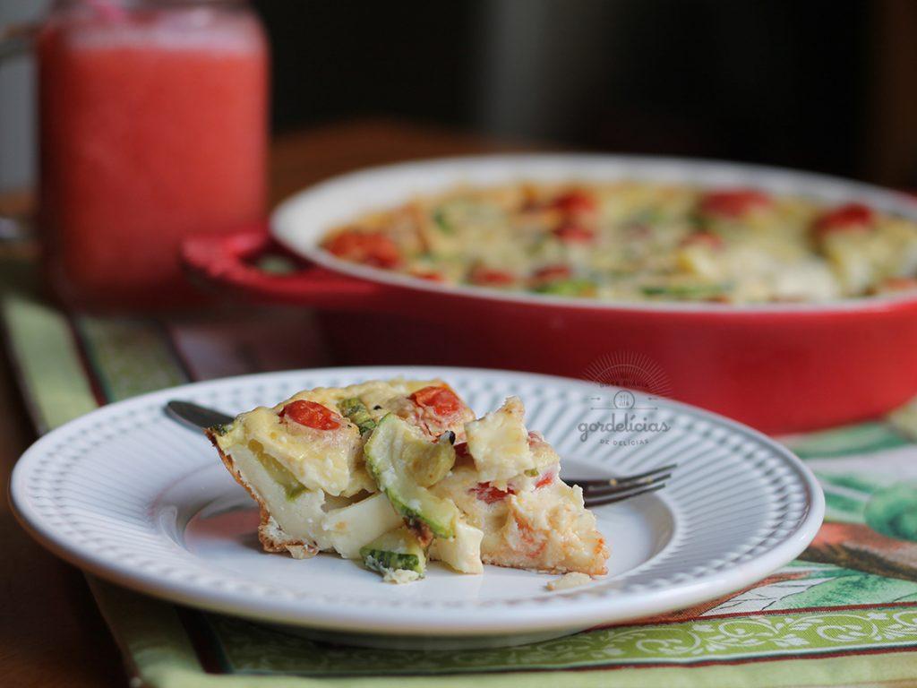 Clafoutis de Tomate, Abobrinha e Queijo Minas. Receita fácil e deliciosa, completa em http://gordelicias.biz.