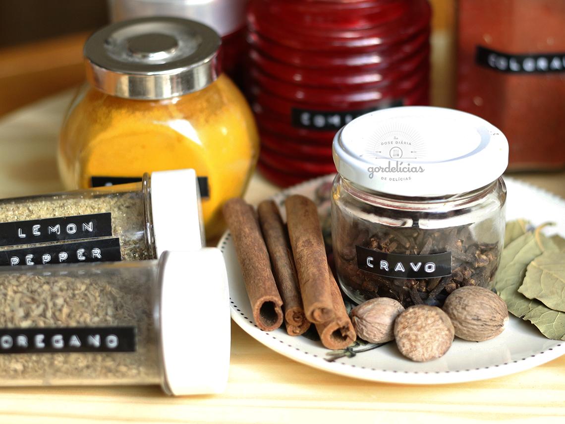 20 temperos e especiarias essenciais para ter na cozinha