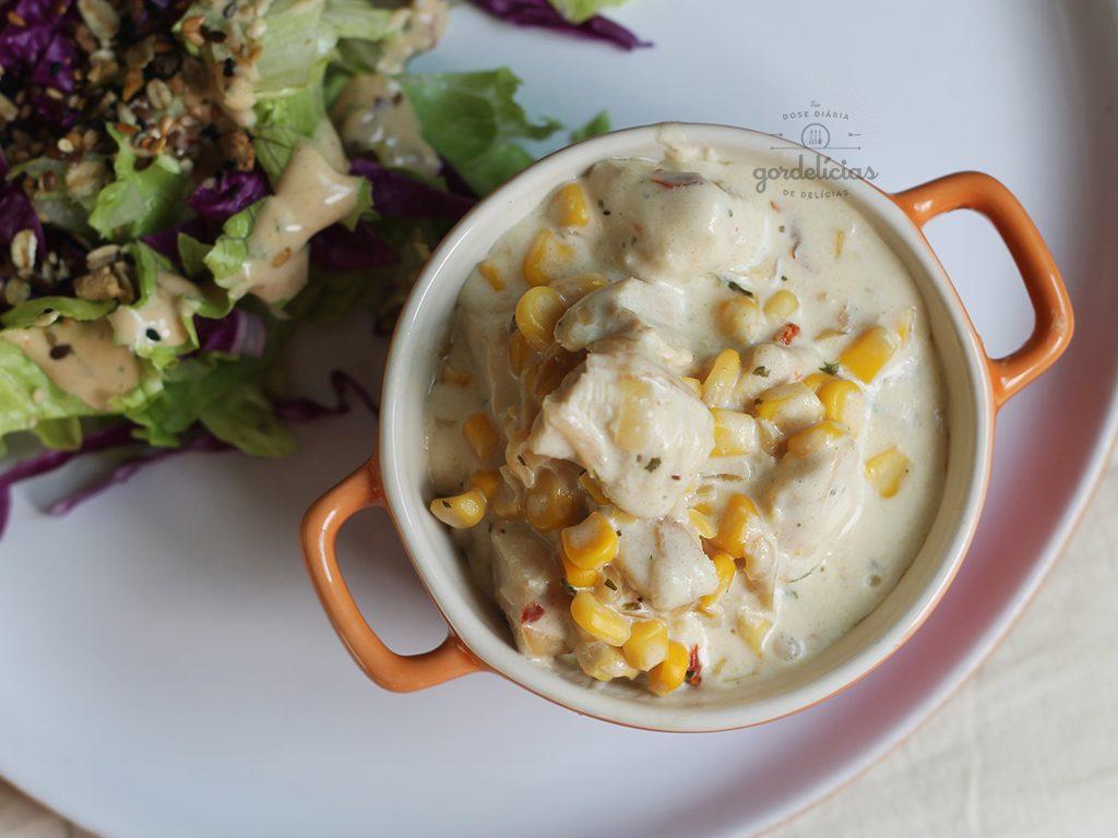 Frango Cremoso com Milho. Receita rápida e deliciosa, completa em http://gordelicias.biz.