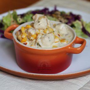 Frango Cremoso com Milho. Receita rápida e deliciosa, completa no Raquelícias