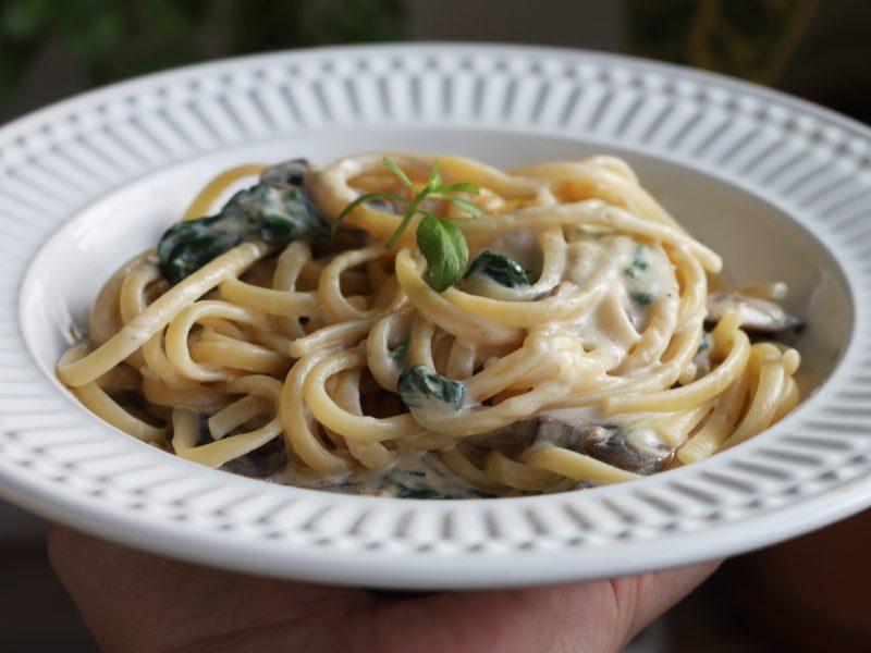 Espaguete com Espinafre e Cogumelos - receita completa em http://gordelicias.biz.