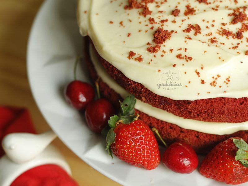 Como fazer Red Velvet Cake. Passo a passo completo em http://gordelicias.biz.