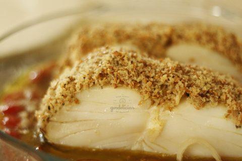 Bacalhau Crocante com Tomate Confit. Passo a passo completo em http://gordelicias.biz.