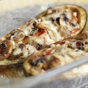 Como fazer Berinjela Recheada com Ricota e Cogumelos. Receita completa em http://gordelicias.biz.
