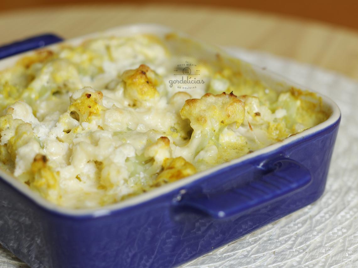 Couve-Flor Gratinada com Maionese. Receita fácil e deliciosa, passo a passo em http://gordelicias.biz.